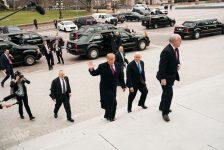 TT Trump đập bàn, bỏ về trong cuộc gặp với phe Dân chủ