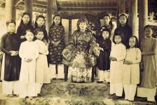 Mệ Bông: Những ký ức về cung đình xưa