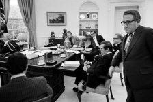 """""""Những ngày cuối cùng của Mỹ ở Việt Nam: Từ Sài Gòn tới Nhà Trắng – Những gì tôi nhìn thấy khi Mỹ thua cuộc"""" (Phần 2)"""