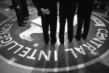 'Ai là ai' trong bê bối chính trị đang khuấy đảo chính trường Mỹ?