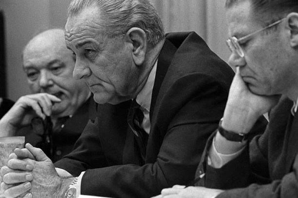 Bước leo thang quân sự của Mỹ và cuộc tạo cớ của Chính quyền Johnson ném bom miền Bắc Việt Nam 05/08/1964