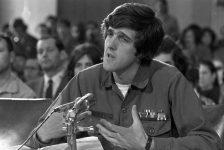 """John Kerry: """"Chúng tôi tin ý chí của nhân dân nói lên rằng chúng ta phải rút khỏi Việt Nam"""""""