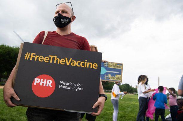Chia sẻ quyền sở hữu trí tuệ vaccine COVID- 19 và chủ nghĩa dân tộc hẹp hòi